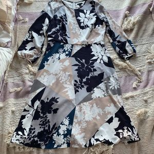 EUC Ann Taylor Shadow-Print Sleeved Dress, 6P